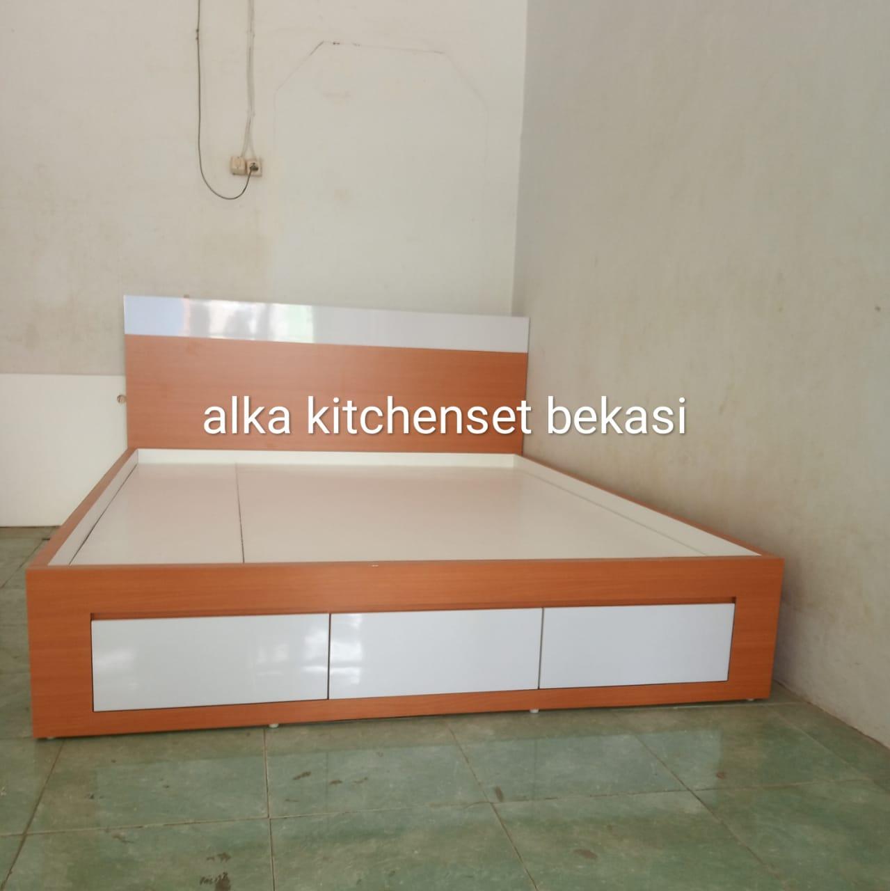 tempat tidur hpl minimalis